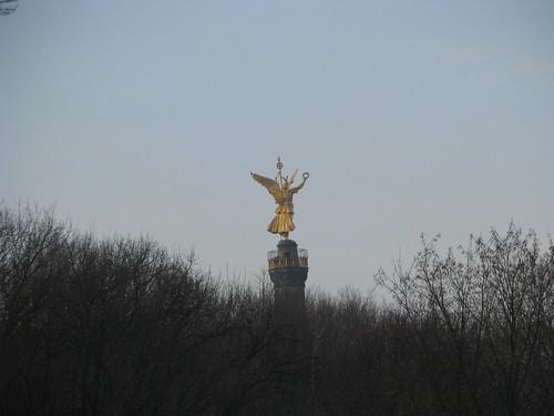 16-Anjo da Paz no Centro do Parque de Berlim