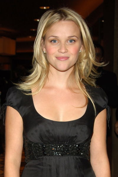 Reese_Witherspoon_black_dress