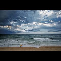 Badly day for Windsurf (Juan Calderon) Tags: barcelona mar surf minolta surfer sony surfing arena explore barceloneta nubes tormenta alpha a200 frontpage strom tabla windsurf palometa sigma1020 pukas sonydslra200 jcaldern dslra200 alpha200 spiritofphotography sonyalpha200 sonyalphadslra200 alphadslra200 badlydayforwindsurf juancaldern