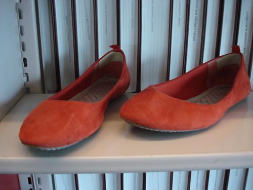 orange suede shoes gap