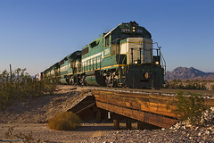 Getting ready to Head Home (K-Szok-Photography) Tags: california canon outdoors desert socal mojave transportation cadiz canondslr 2470l locomotives railroads emd alltrains deserttrains sbcusa alltypesoftransport arzc kenszok