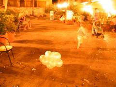 (glomour) Tags: childhood balloon sedia passegino