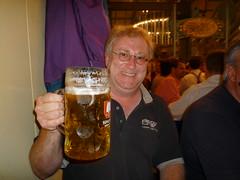 P1010877 (pwosel) Tags: beer germany munich münchen bayern oktoberfest bier mass 2009 deu muenchen wiesn krug netapp pwo masskrug ochsenbraterei peterwosel 20090921