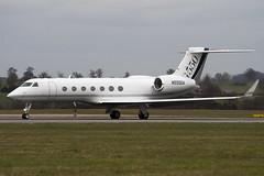 N550GA - 5211 - Gulfstream - Gulfstream G550 - Luton - 090327 - Steven Gray - IMG_2504