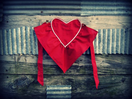 Valentine Apron 010