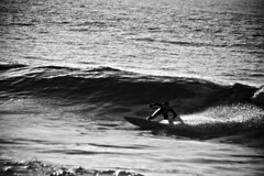 Monochrome Soulsurfer - 'The Wounded Gull' (s0ulsurfing) Tags: ocean light sea blackandwhite bw sunlight white seascape black praia water silhouette sport contrast speed point fun grey mono coast mar surf waves play bright noiretblanc action surfer board january wave joe monotone surfing spray coastal foam vectis isleofwight surfboard surfers balance rollers soulsurfer reef swell isle olas 2009 balancing sparkling balanced channel thruster englishchannel wight shimmering shimmer aktion shortboard lamanche freiheit groundswell westwight surfen negroyblanco freshwaterbay pointbreak bottomturn s0ulsurfing markrichards joetruman thewoundedgull welcomeuk