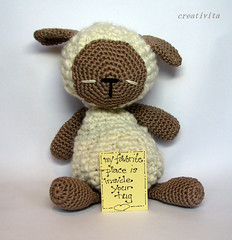 My favourite place is... (Creativita) Tags: friends norway canon norge hug sheep handmade crochet norwegen pals kind yarn softies cotton lamb inside amigurumi chubby myke norvegia s5 pecore leker ewe hekling hekle virkad allunicetto