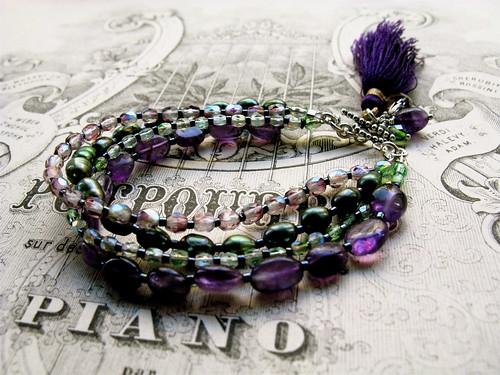 "Ametista bracelet in ""absinth"""