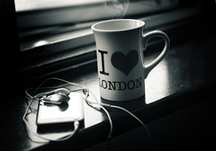 ..   (D o u b l e y o u) Tags: lighting winter london window ipod mug coffe
