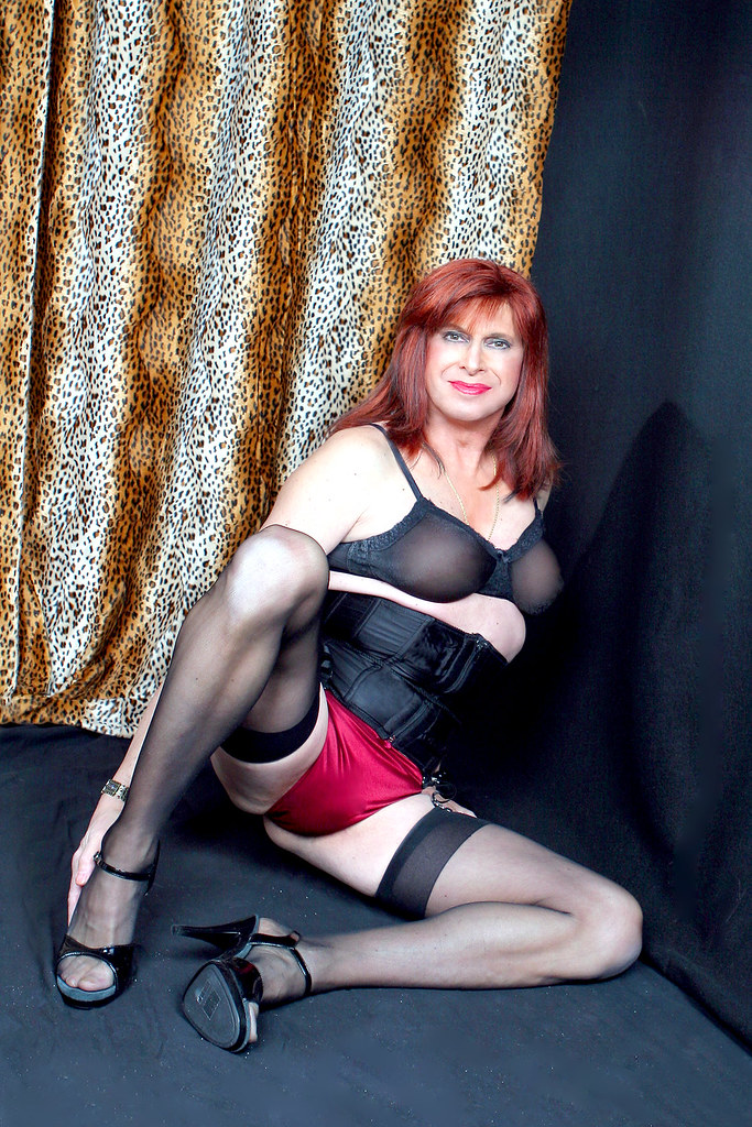 In lingerie transvestite
