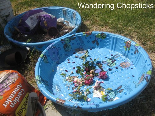 How to Make a Kiddie Pool Raised Bed Garden 3