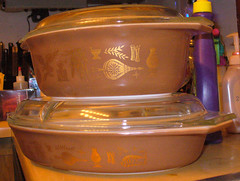 """""""Early American"""" divided and 1.5 ovals (nebspinner) Tags: casserole round earlyamerican oval divided pyrex fireking glasbake"""