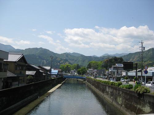 The river running between Nakaicho and Kitauracho