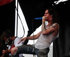Underoath. (Rachel Mendoza) Tags: music wisconsin punk tour cloudy live year happiness 15 warped pop rainy milwaukee anniversery 2009 teenie harcore boppers