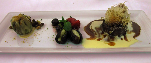 """los postres 01 • <a style=""""font-size:0.8em;"""" href=""""http://www.flickr.com/photos/30735181@N00/3796392874/"""" target=""""_blank"""">View on Flickr</a>"""