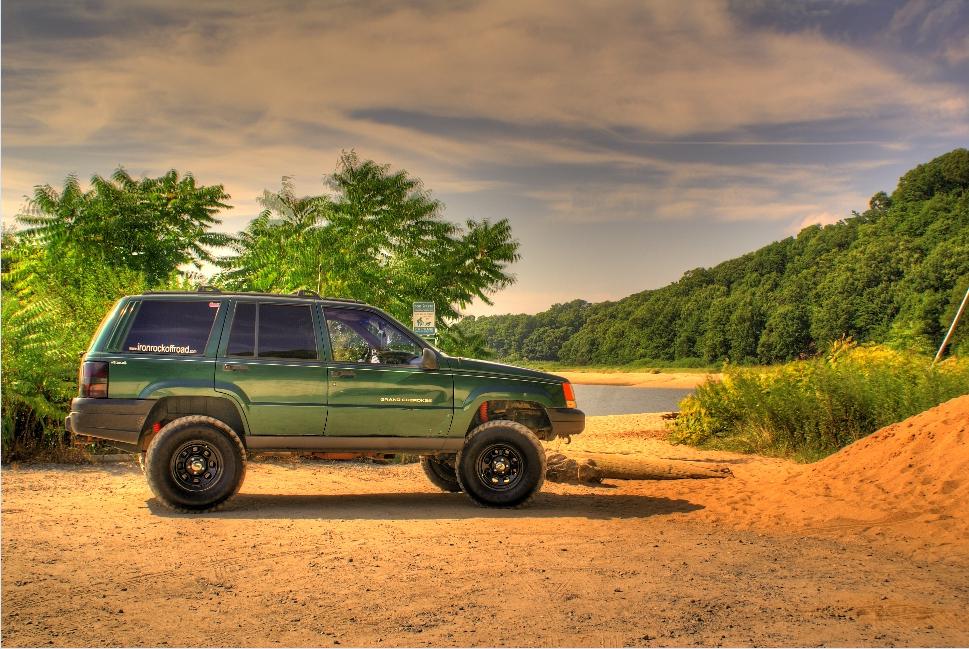 photos jeep and momentcar cherokee information