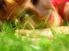 ;) (sassy-sara) Tags: red summer smile garden prato saravilla