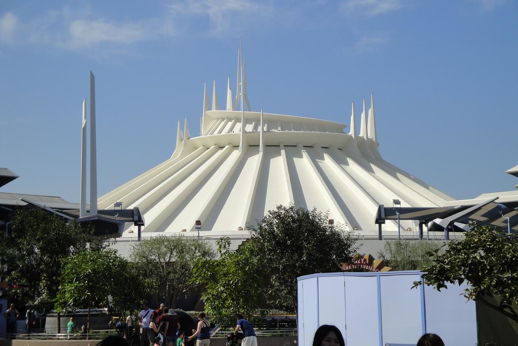 Space Mountain by Chris and/or Kevin, on Flickr