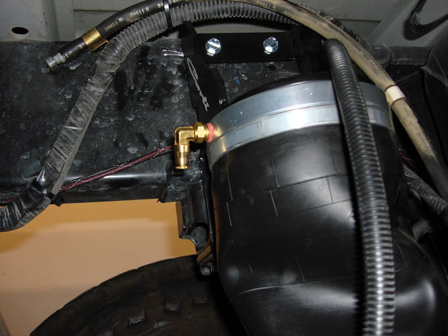 Carli Long Travel Airbags And B Amp W Gooseneck Hitch Dodge