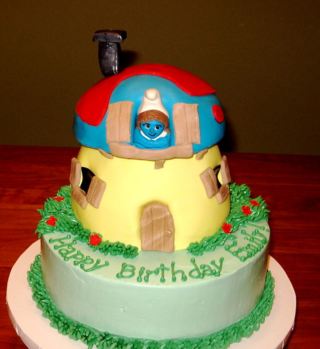 Smurfy birthday cake