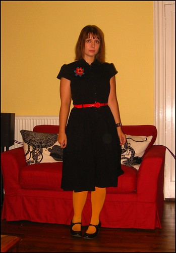 17.10.09: black dress with yellow and red
