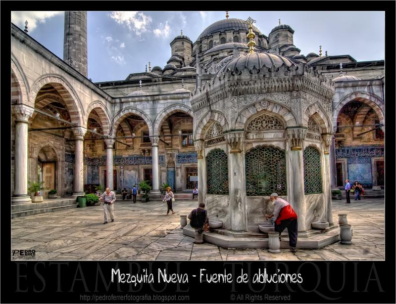 Estambul - Mezquita nueva (Yeni cami) - Fuente de Abluciones