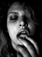 (Samantha West) Tags: portrait woman selfportrait samanthawest imsuchaluckyluckylady