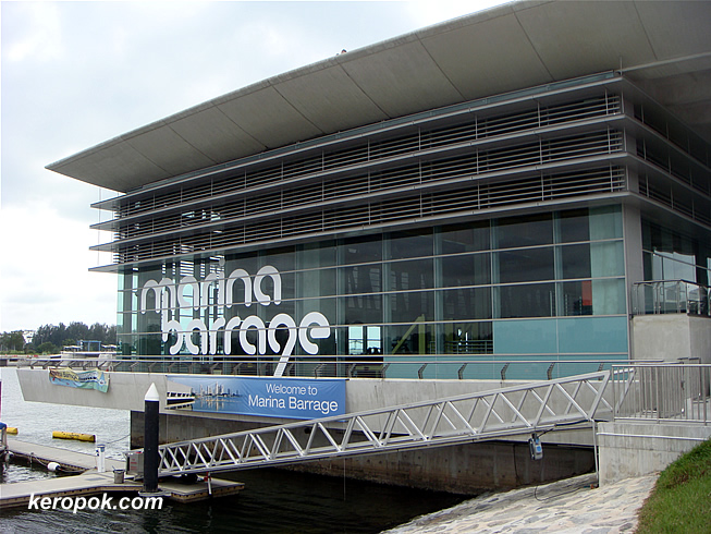 The Marina Barrage Buildling