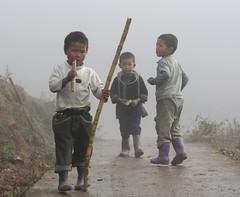 (Mr Gourmand) Tags: mist children vietnam sapa hmong