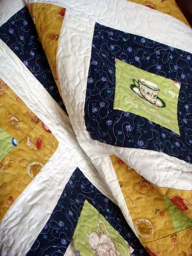 tea lap quilt close up