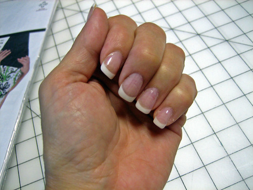 gel nails lifting