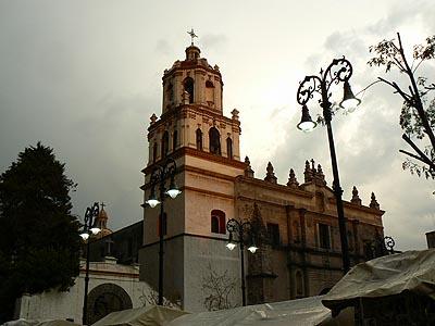 église coyoacan soir.jpg