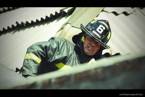 Caída de Bombero / Firefighter Fall por rauldelajara.