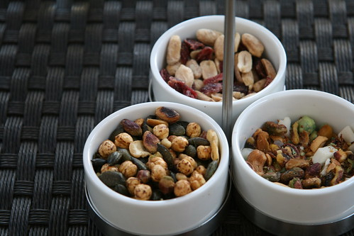 Nut bowls