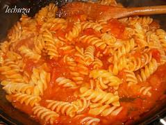 mejillones en salsa marinera- añadir pasta