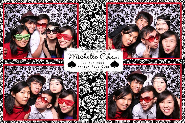 113937-custom-poof_middle by Poof Photobooth