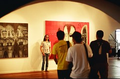 Tumpuan (saripdoll) Tags: people film analog nikon candid explore malaysia kualalumpur filmcamera frontpage analogphotography nikonf3 outing petalingstreet rsm hwh autaut nikkorf14 negetivescan saripdoll nizamabdullah ceturiadnp200