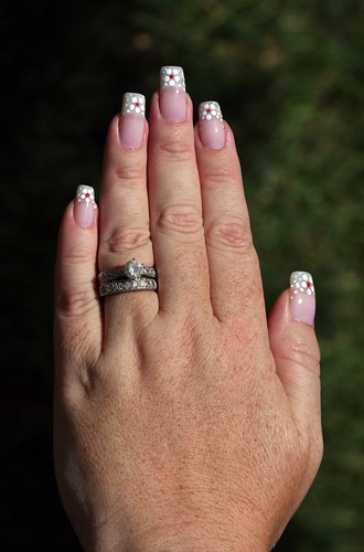 My Left Hand - Polka Dot Daisy French Manicure With Red Centers On Natural Nails!