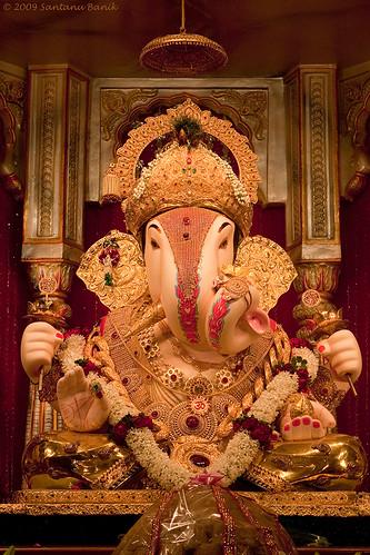 Ganesh Festival 2009 Shrimanta Dagadu Sheth Halwai At Pune A