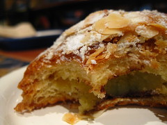 Croissant aux amandes (ButteredUp) Tags: breakfast chocolate almonds croissant premieremoisson butterissoooofreakinggood