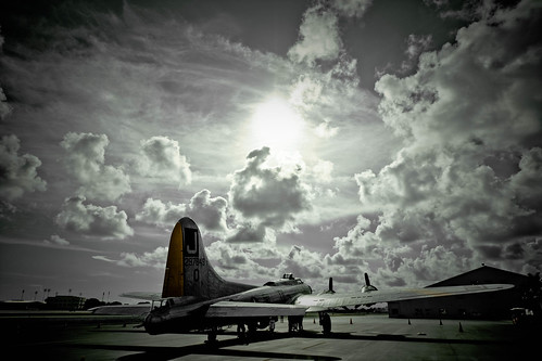 Warbird picture - B-17 Flying Fortress