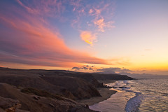 Atardecer La Pared, Fuerteventura (Quique Bloody) Tags: sunset sun sol beach clouds island atardecer pared la fuerteventura playa canarias nubes canary