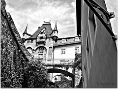 Meissen (VincePrey) Tags: bridge blue summer vacation sky bw cloud castle stone wall stairs germany walking crossing vegetation schloss tyskland 2009 meissen slott