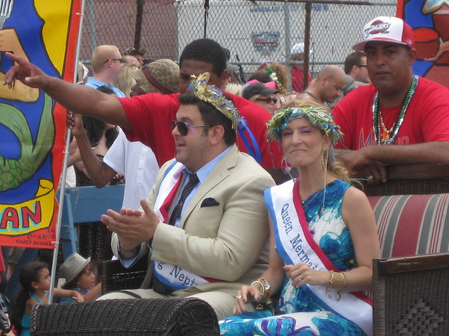 Adam Richman and Cat Greenleaf as King Neptune and Queen Mermaid
