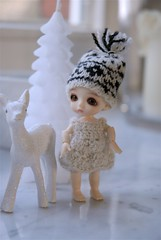 Fistik in the white cold forest (moline) Tags: white tree forest candle dress crochet merino deer belle lati