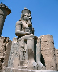 Statue of Ramesses II, Luxor Temple, Egypt (Simon Purdy) Tags: art archaeology statue temple ancient northafrica egypt nile orient luxor ramesses ramessesii luxortemple