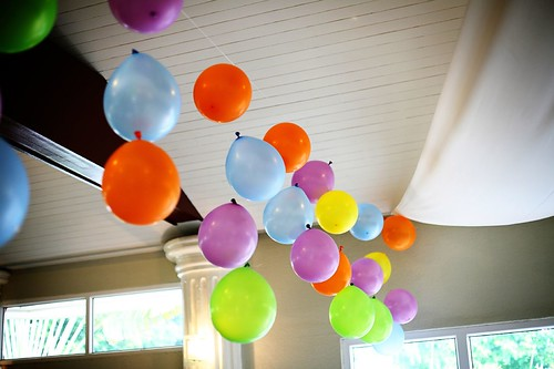 drop balloons from yanple
