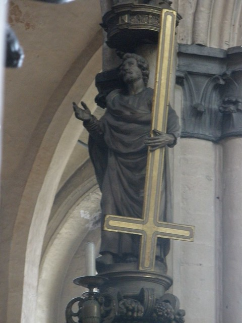 Inverted Cross statuel of Saint Peter
