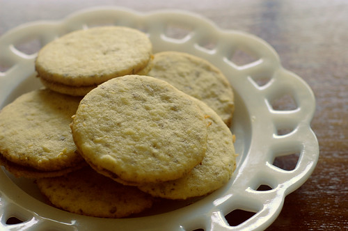 apricot sandwich cookie