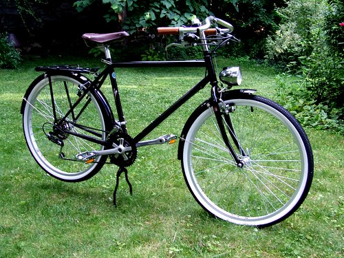 Retro roadster from an early 90's Specialized Hardrock F+F, Nitto mustache